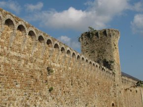 The-ancient-walls_760